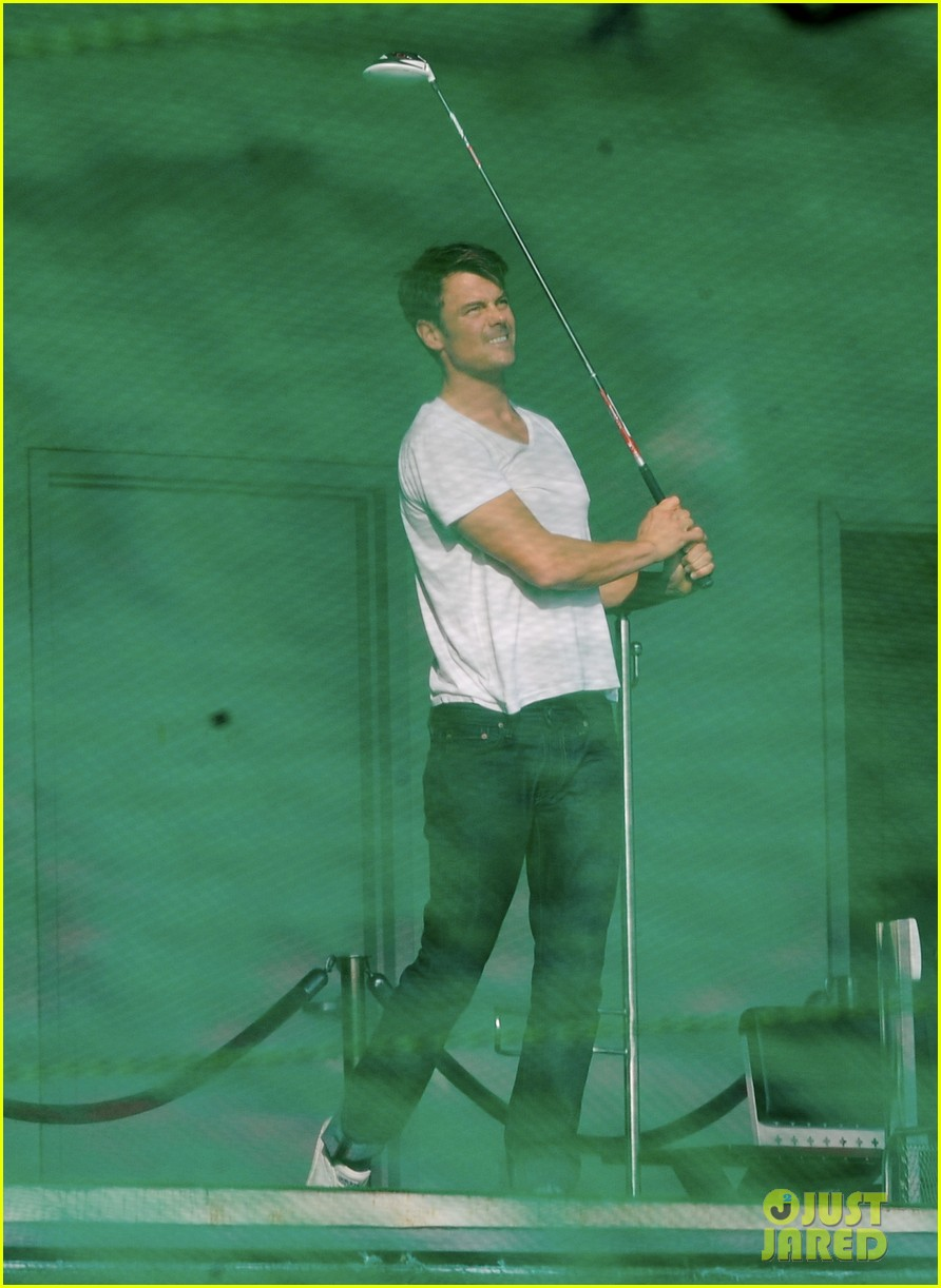 josh duhamel practices golf swing on youre not you set 212770215
