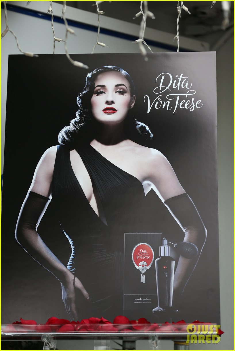 dita von teese rouge perfume launch 082776652