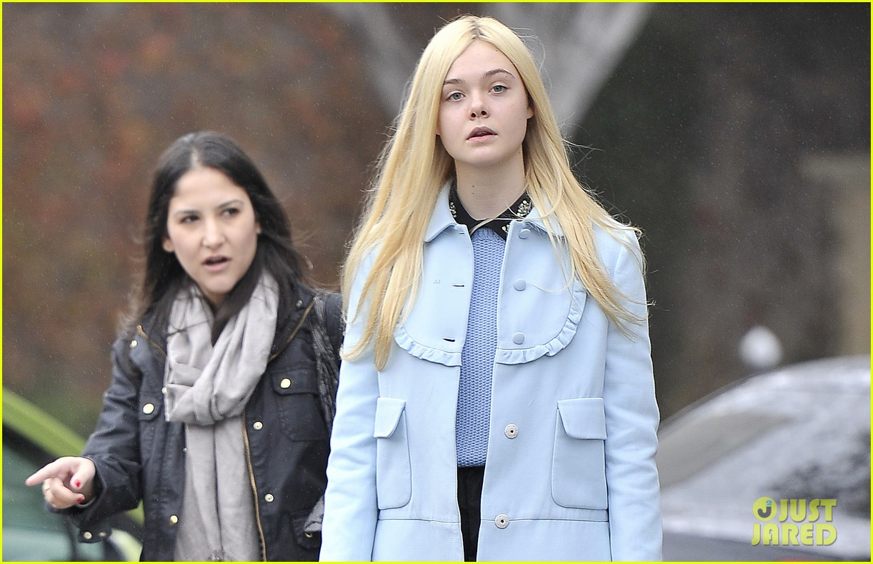 elle fanning milky way lunch 02