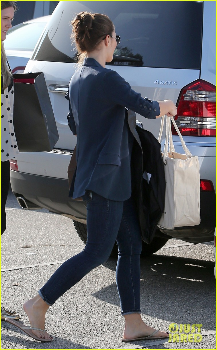 chris evans goes grocery shopping minka kelly works out 172772227