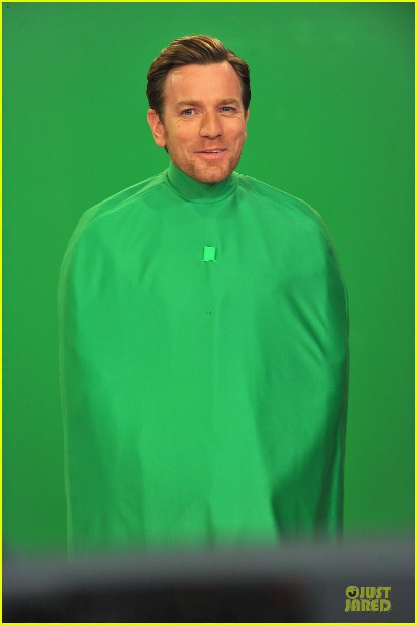 ewan mcgregor green screen fun with jimmy fallon 042777532