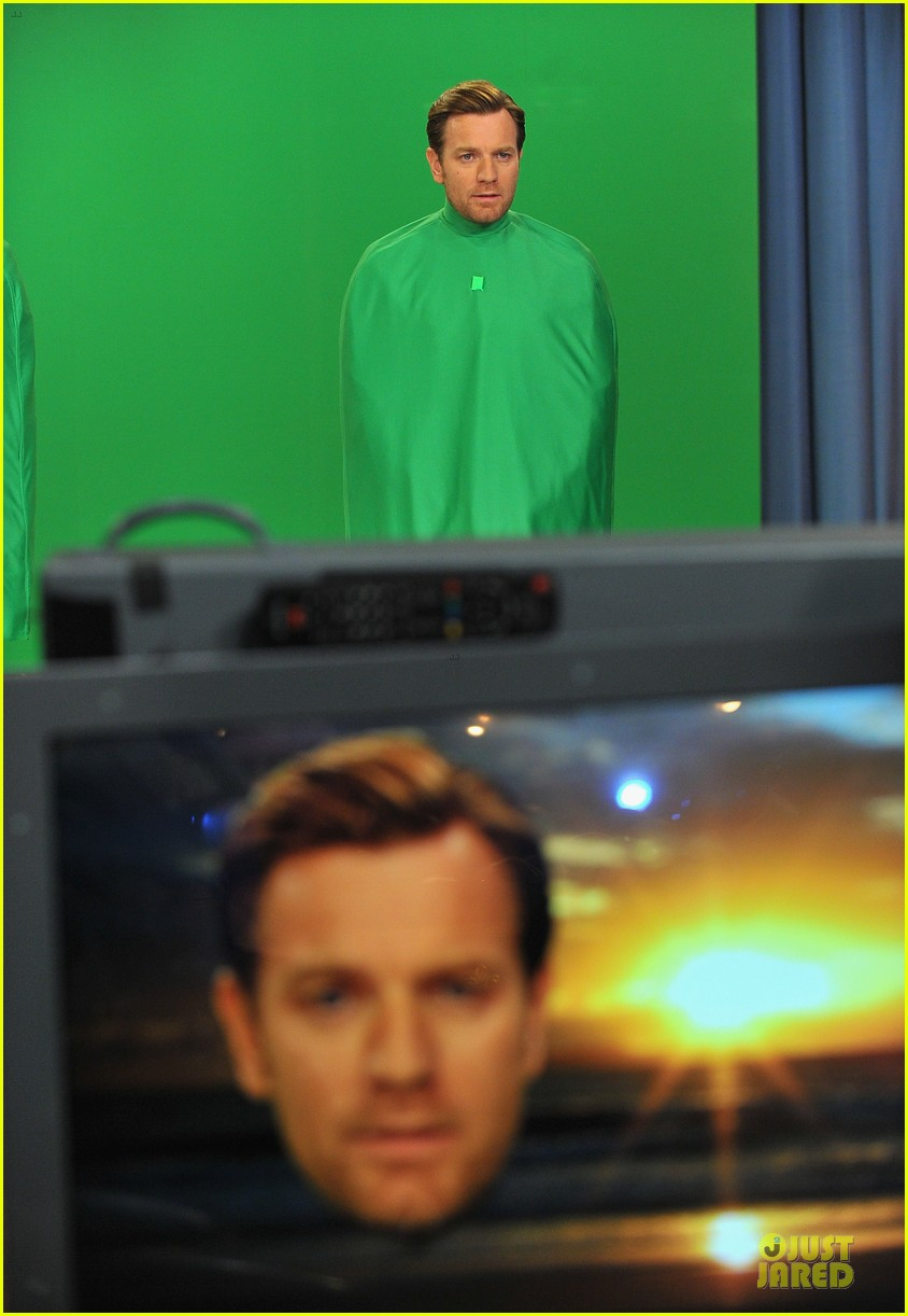 ewan mcgregor green screen fun with jimmy fallon 052777533