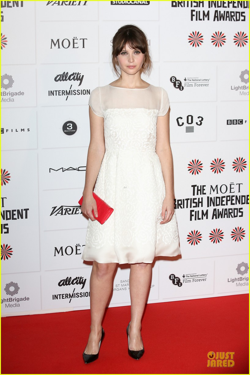 elle fanning & felicity jones british independent film awards 2012 062772530