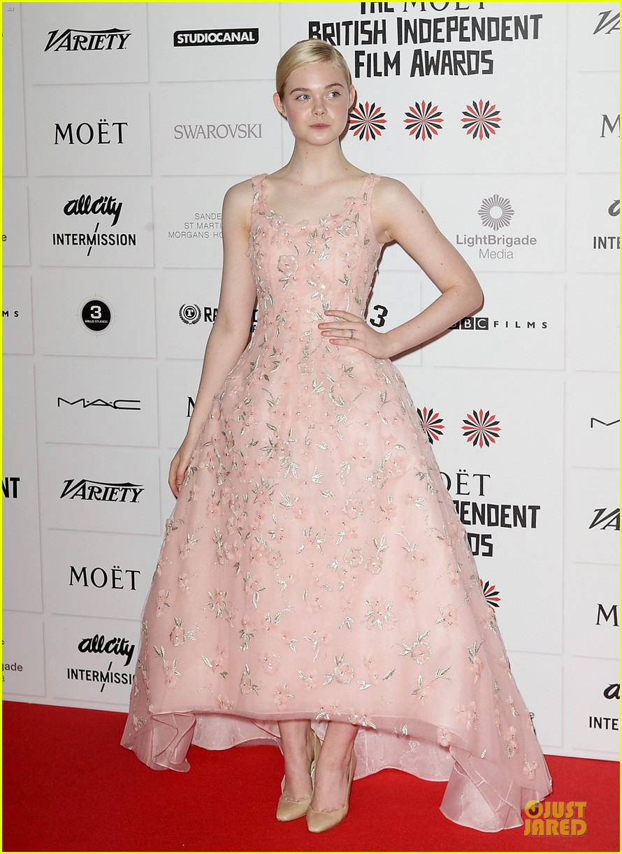 elle fanning & felicity jones british independent film awards 2012 09