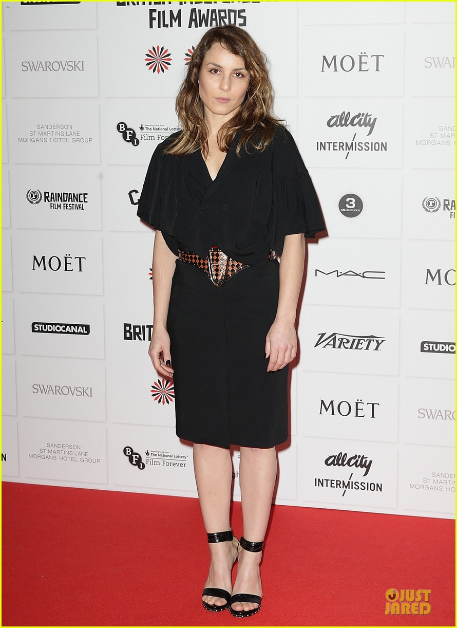 elle fanning & felicity jones british independent film awards 2012 102772534