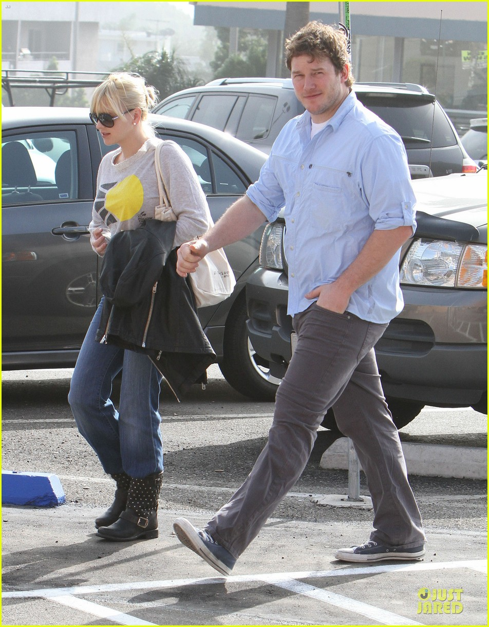 anna faris & chris pratt rite aide shopping couple 01