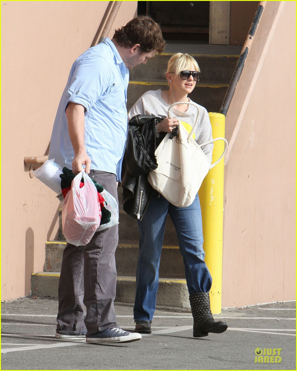 anna faris & chris pratt rite aide shopping couple 102772702
