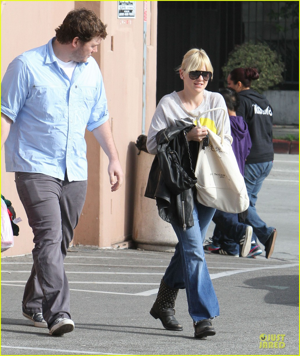 anna faris & chris pratt rite aide shopping couple 112772703