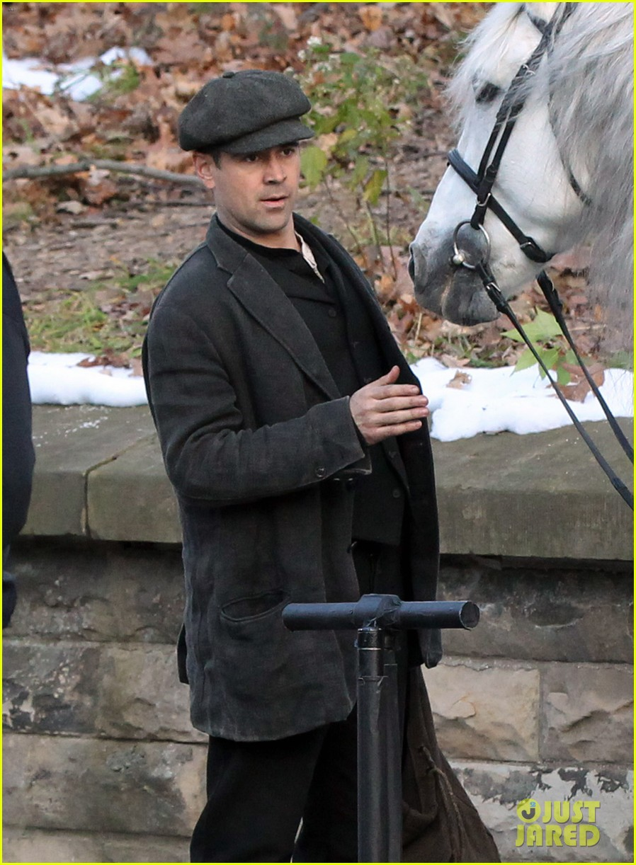 colin farrell horseback riding 08