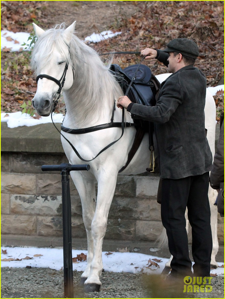 colin farrell horseback riding 172770583