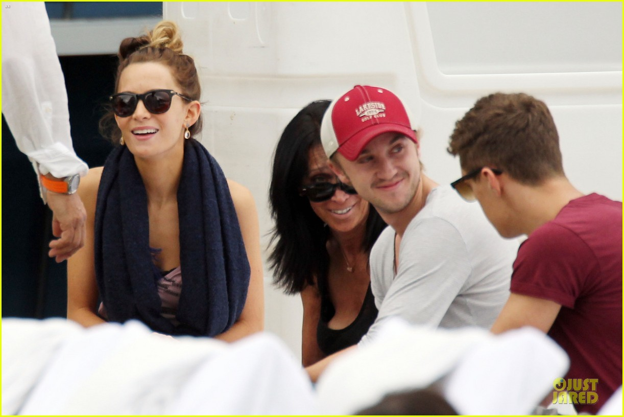 tom felton & jade olivia miami beach lunch 04