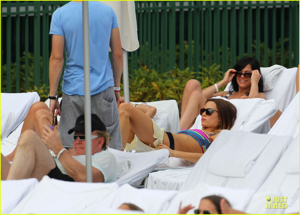 tom felton poolside with jade olivia 252782161