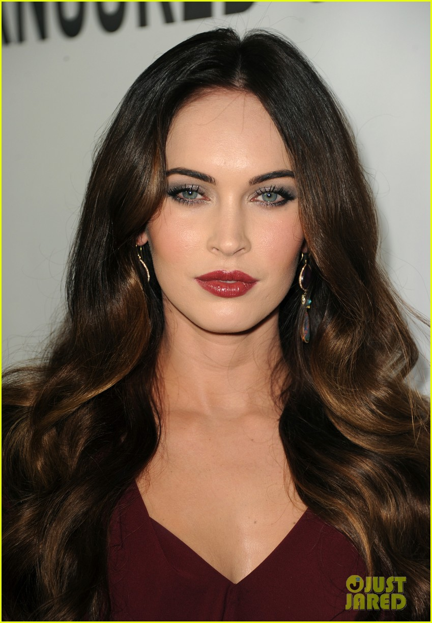 Megan fox 39 this is 40 39 premiere with paul rudd photo - Peinados de moda sencillos ...
