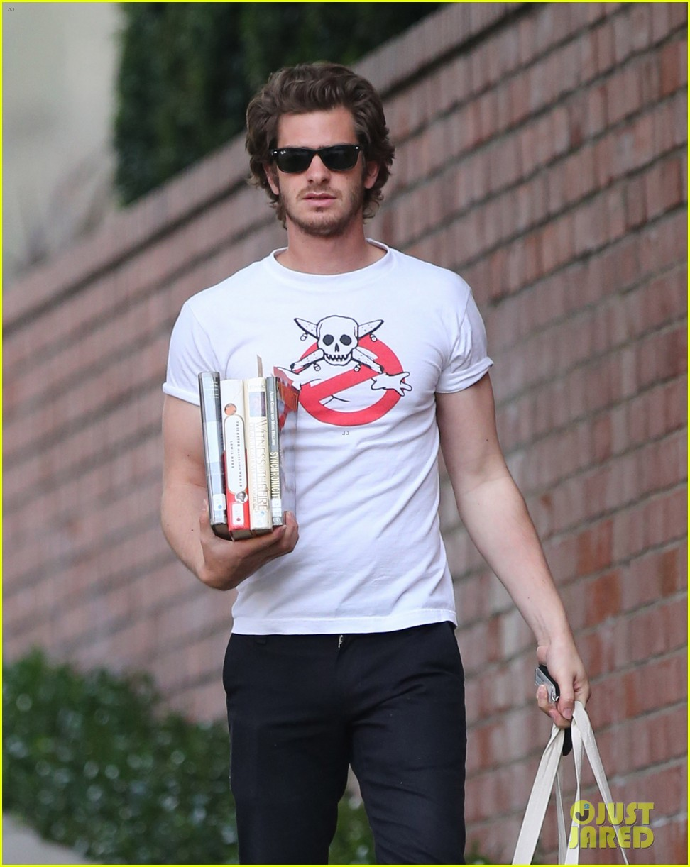 andrew garfield local library stop 09