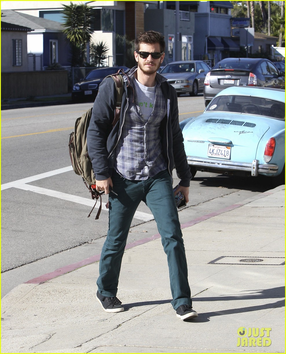 andrew garfield venice beach saturday 012779969