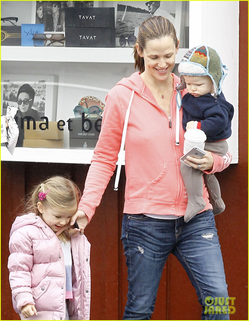 jennifer garner breakfast with bens mom 01