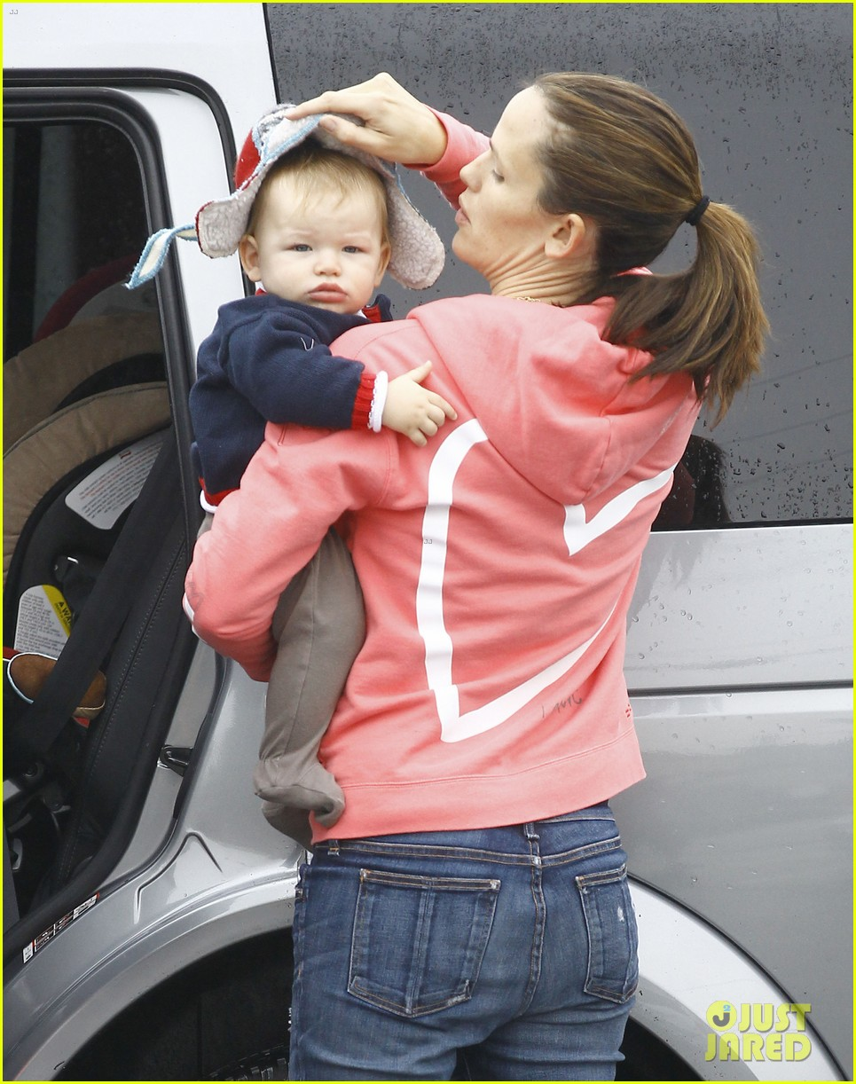 jennifer garner breakfast with bens mom 122768817
