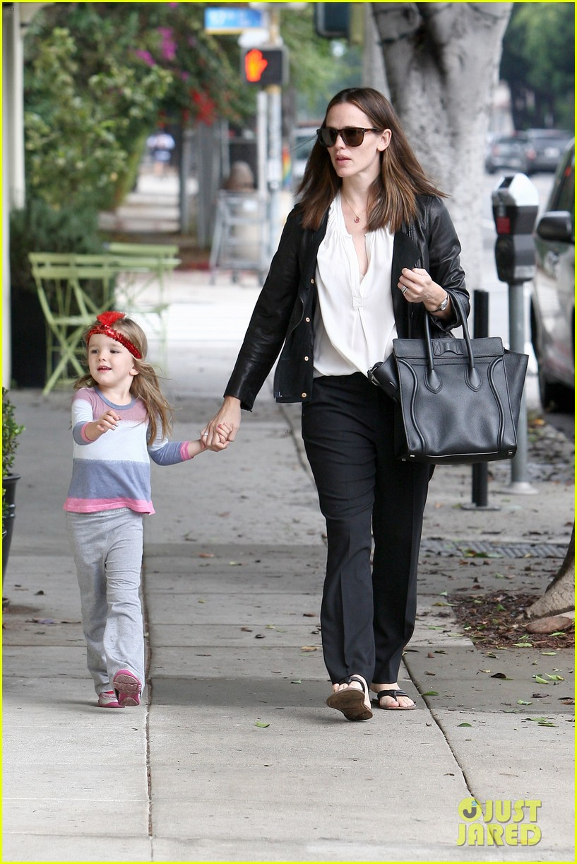 jennifer garner breakfast with bens mom 29