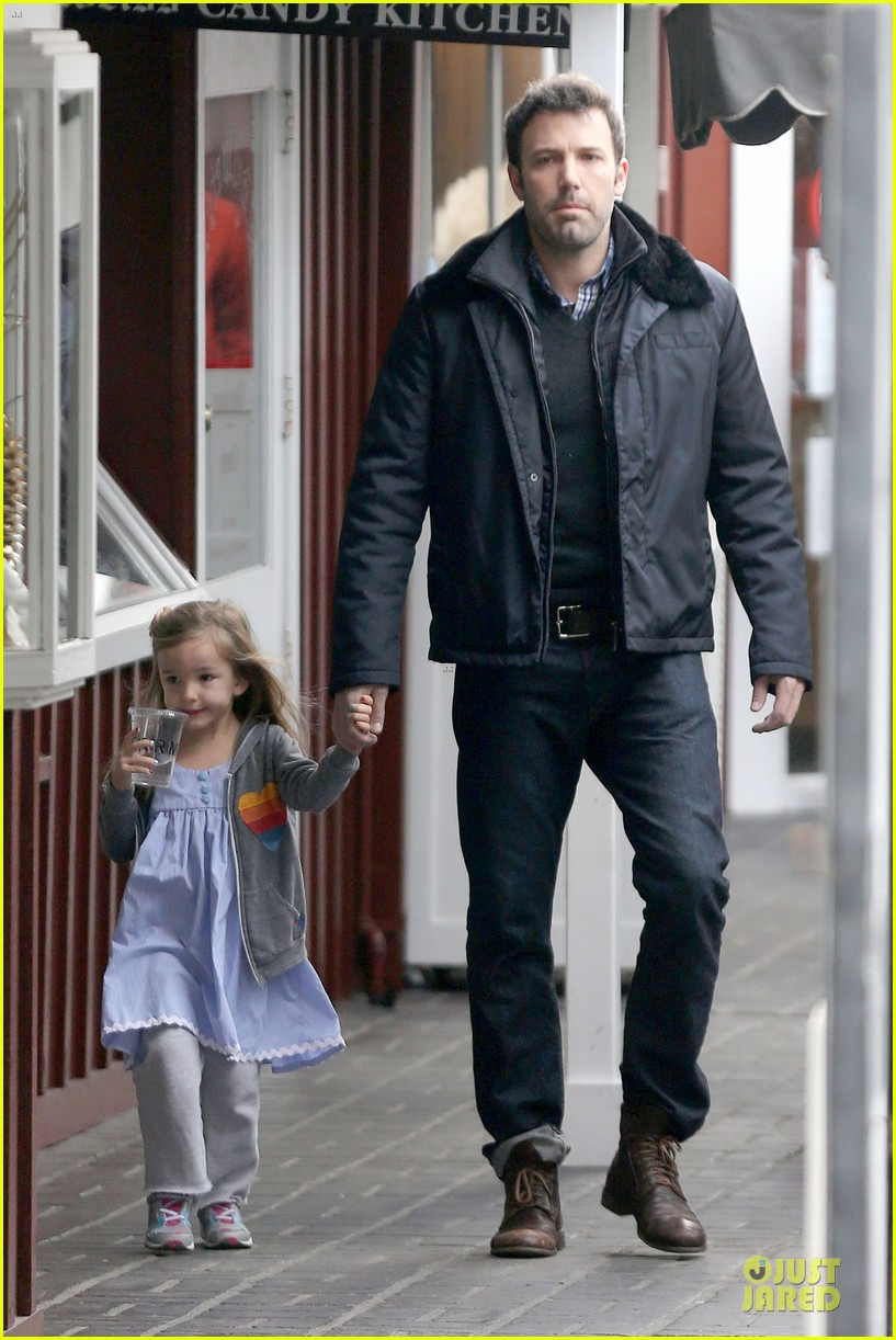 jennifer garner& ben affleck brentwood country mart family 21