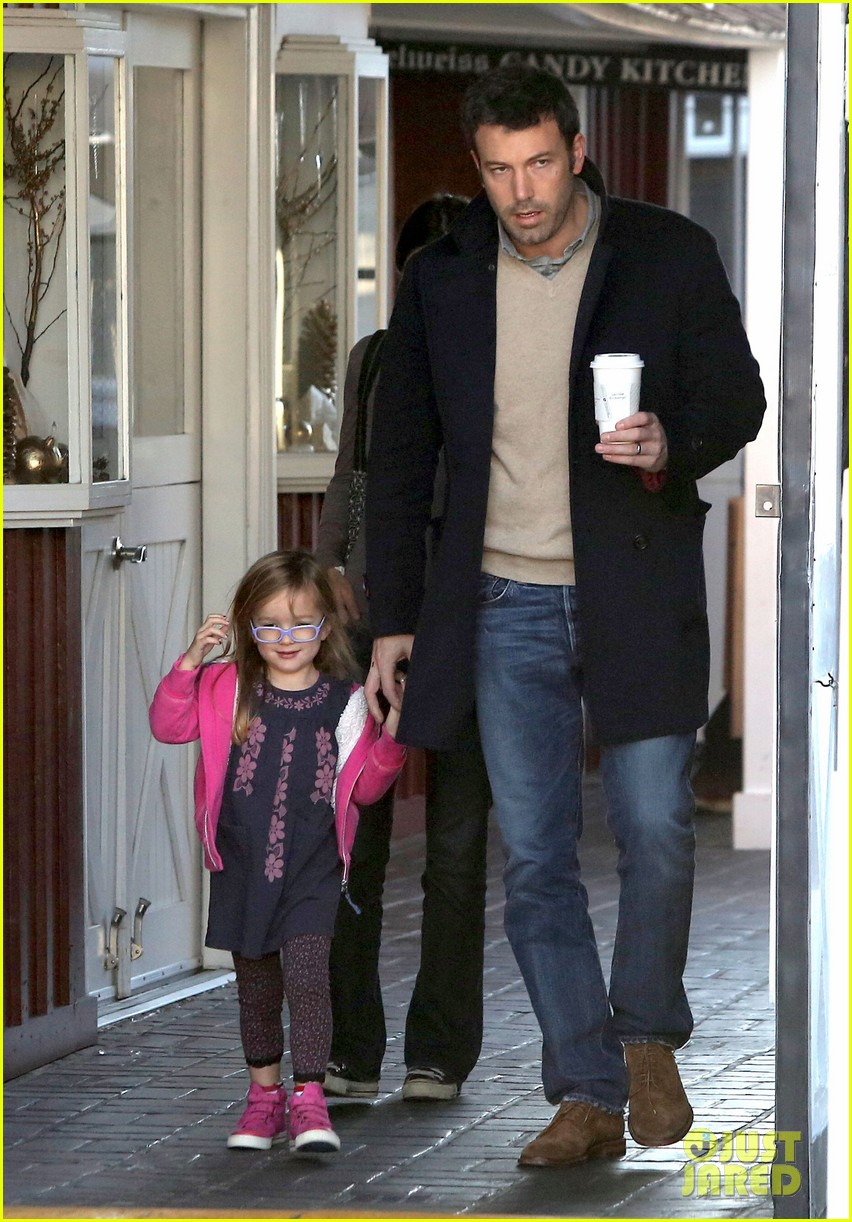 jennifer garner ben affleck separate morning coffee runs 102773175