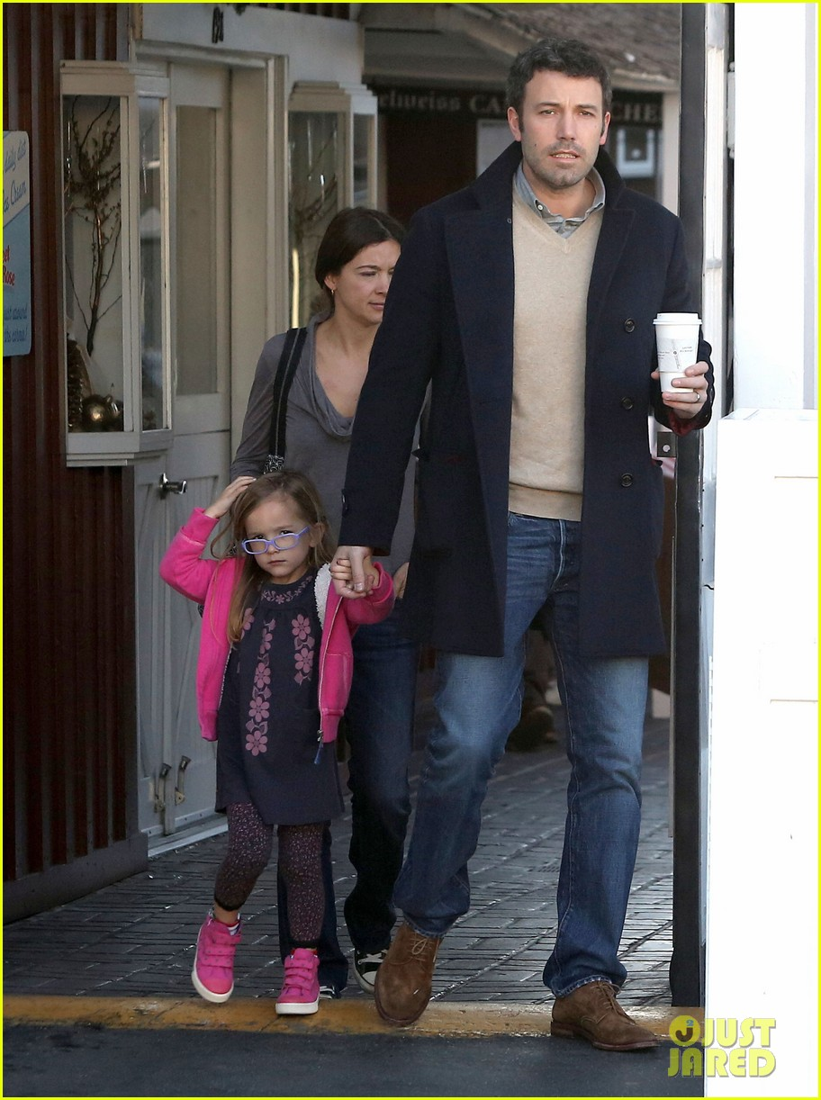 jennifer garner ben affleck separate morning coffee runs 122773177