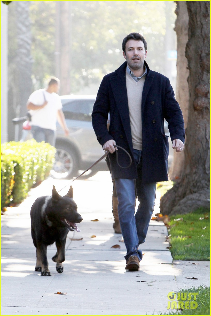 jennifer garner ben affleck separate morning coffee runs 23