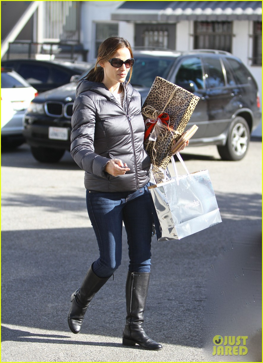 jennifer garner ready for christmas 042779308