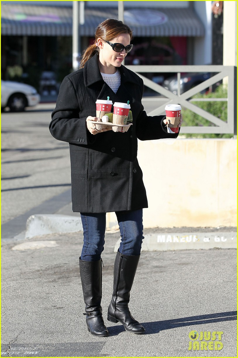 jennifer garner ready for christmas 152779319