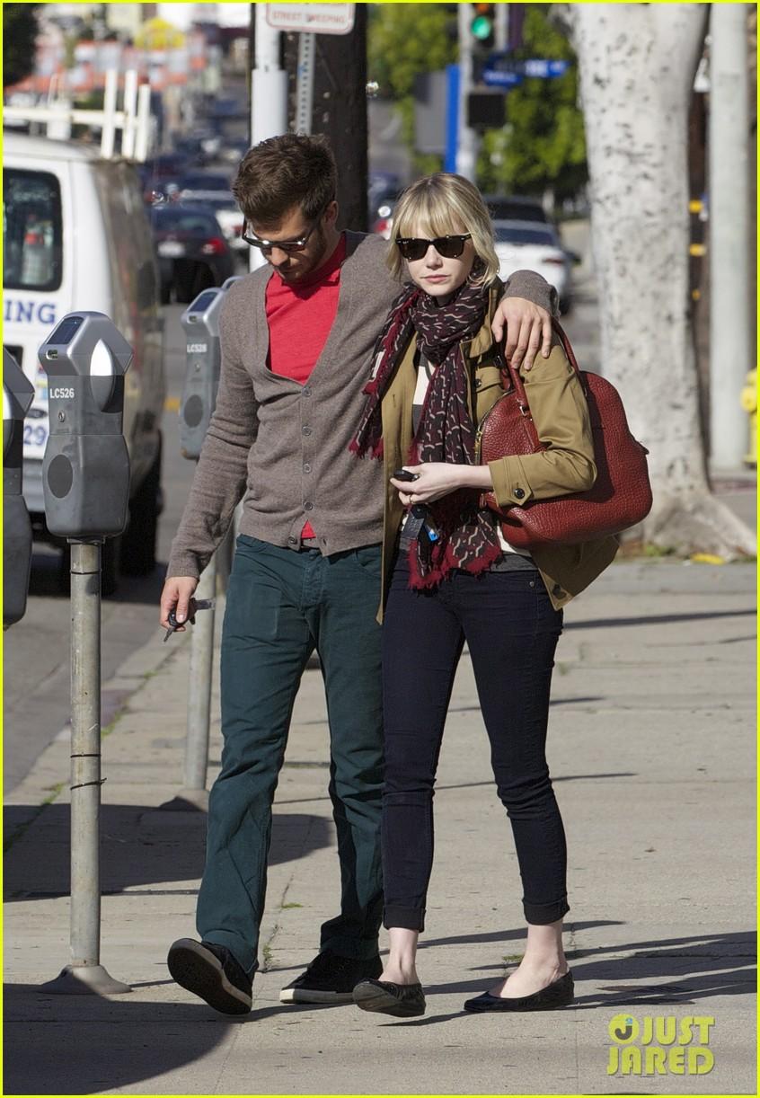 andrew garfield emma stone romantic stroll 20