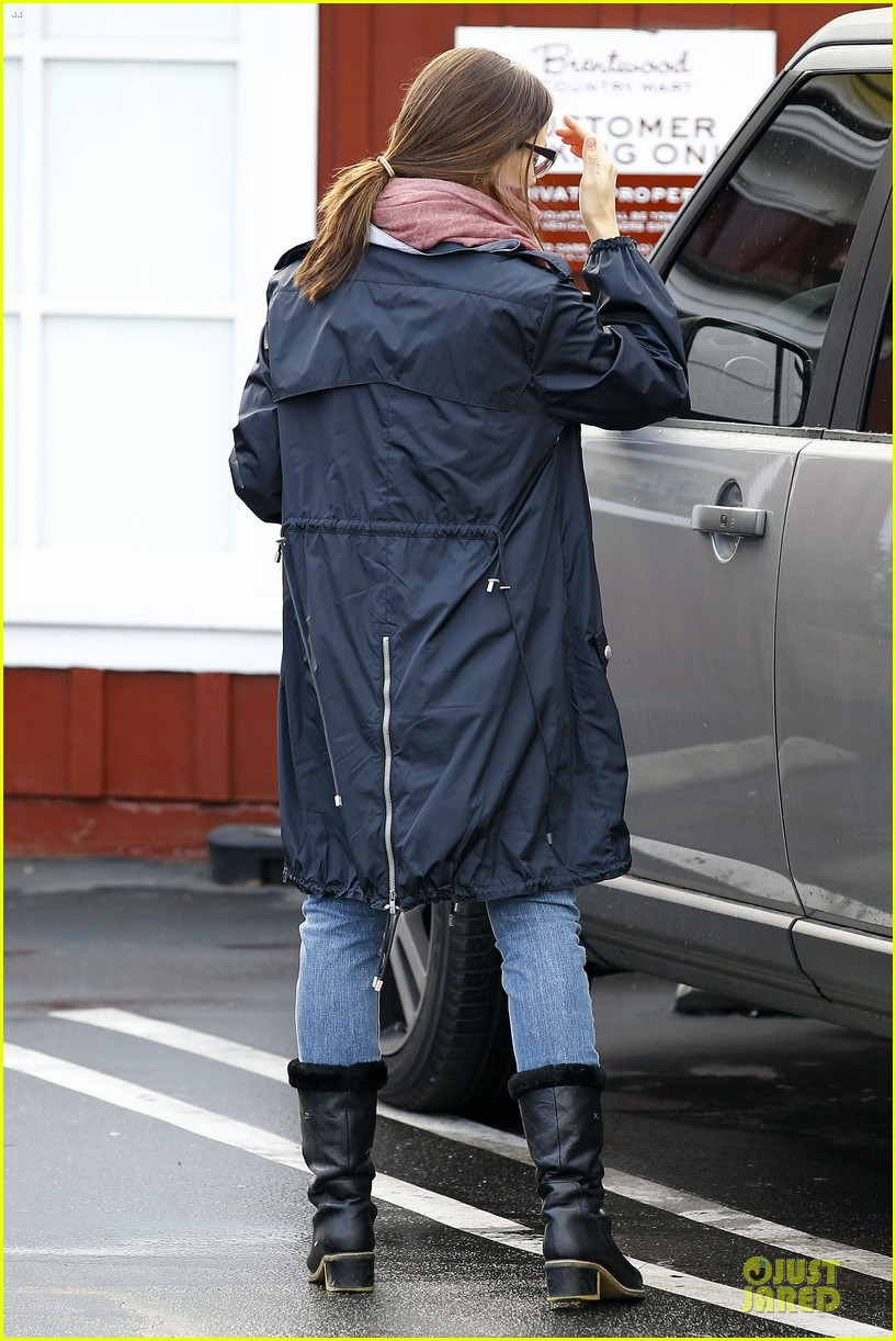 jennifer garner & seraphina eyeglasses wearing duo 072777746