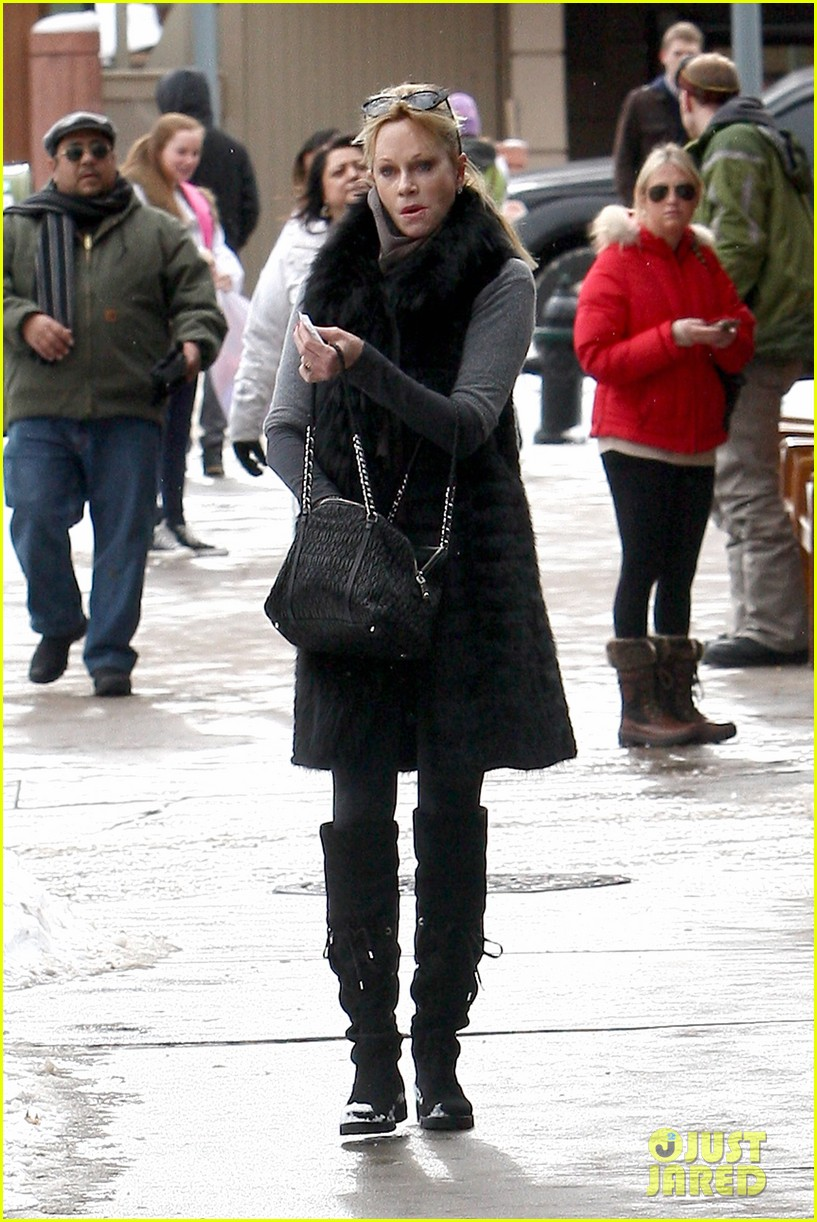 melanie griffith winter chic in aspen 052781324
