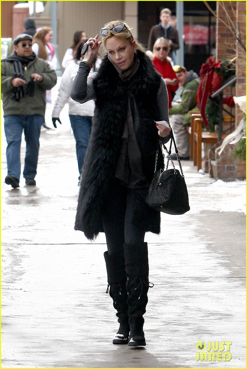 melanie griffith winter chic in aspen 062781325