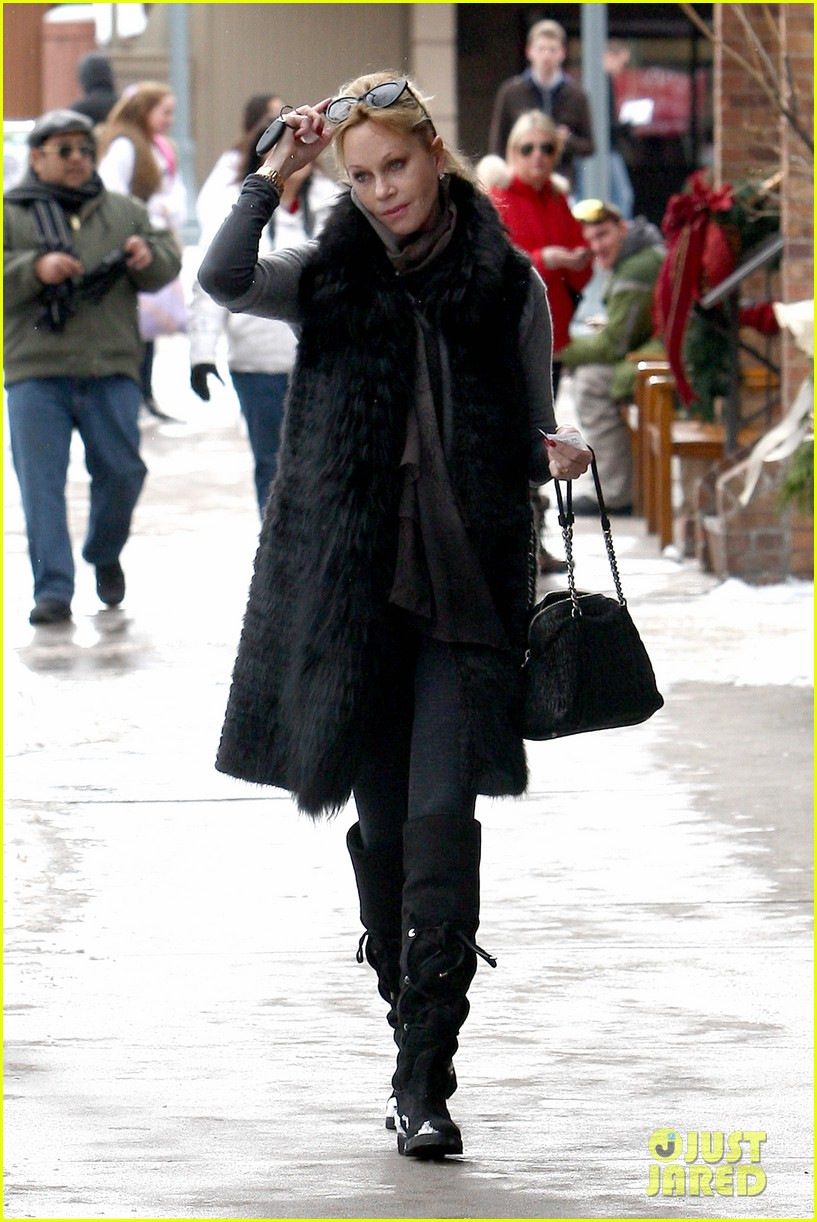 melanie griffith winter chic in aspen 082781327