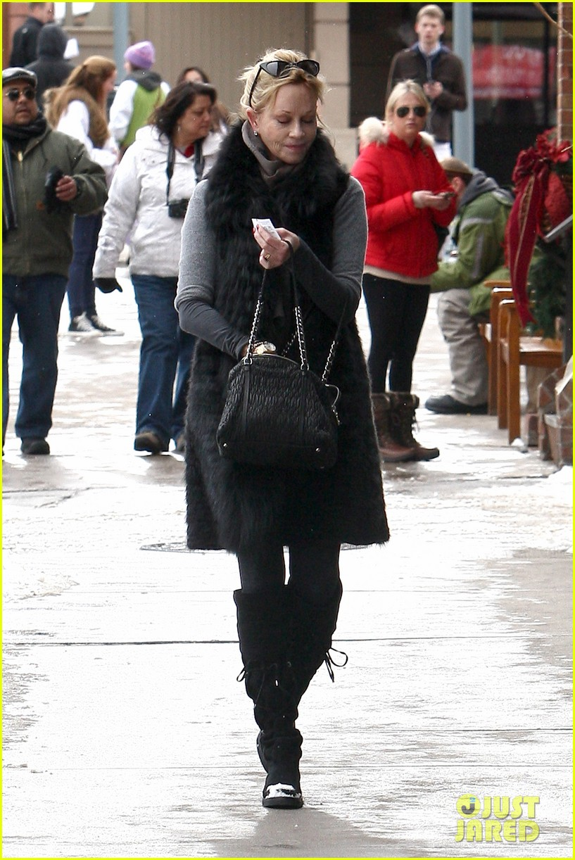 melanie griffith winter chic in aspen 102781329
