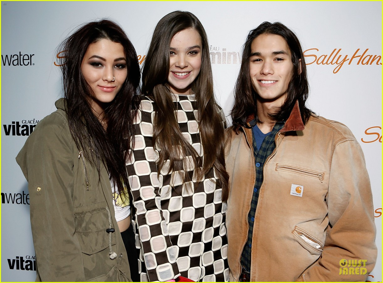 hailee steinfeld sweet 16 celebration 02