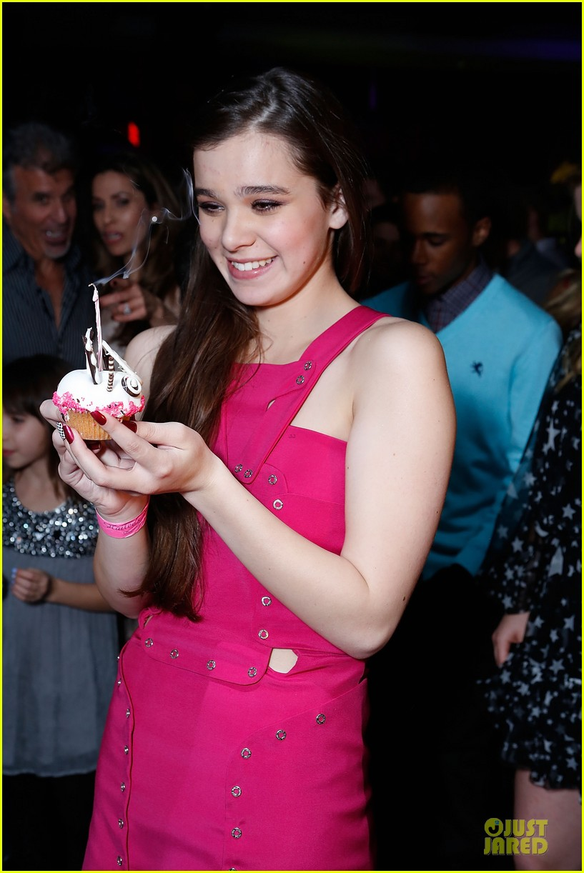 hailee steinfeld sweet 16 celebration 082777373