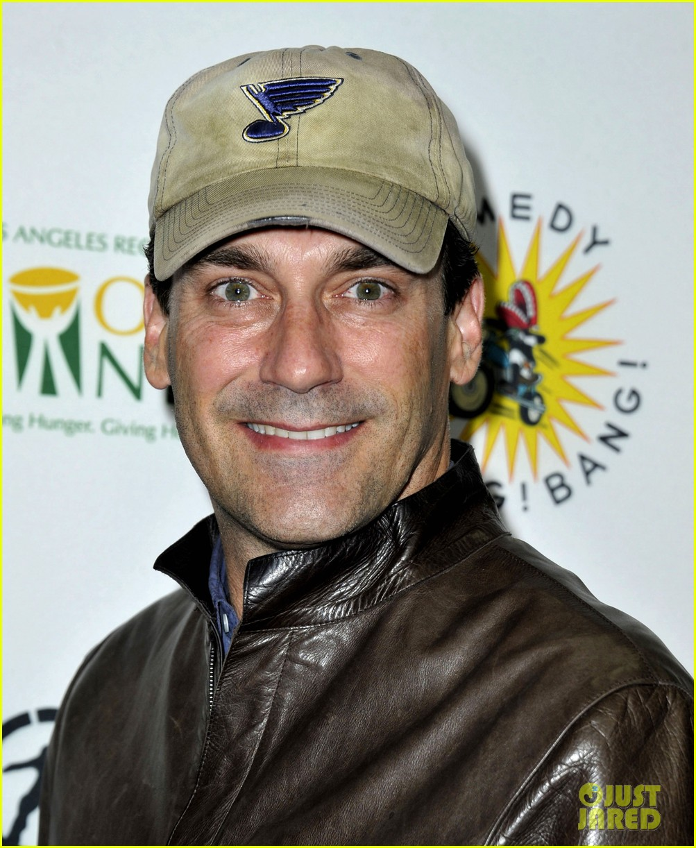 jon hamm lunches with elisabeth moss after work 082770268
