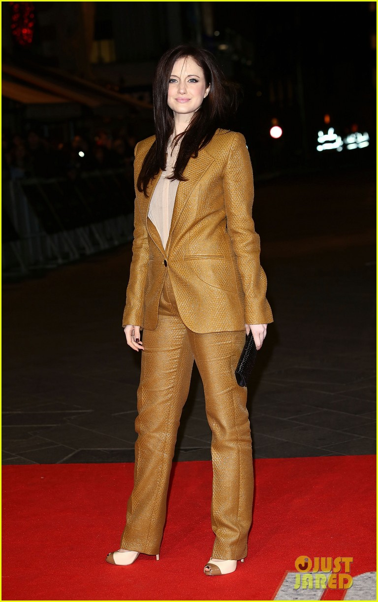 tom hardy jack reacher premiere with charlotte riley 05