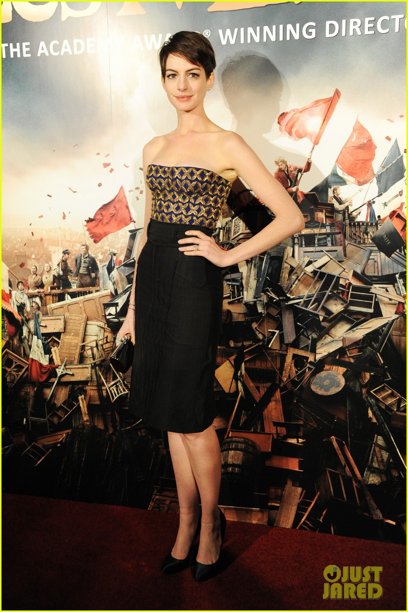 anne hathaway amanda seyfried les miserables premiere after party 012769838