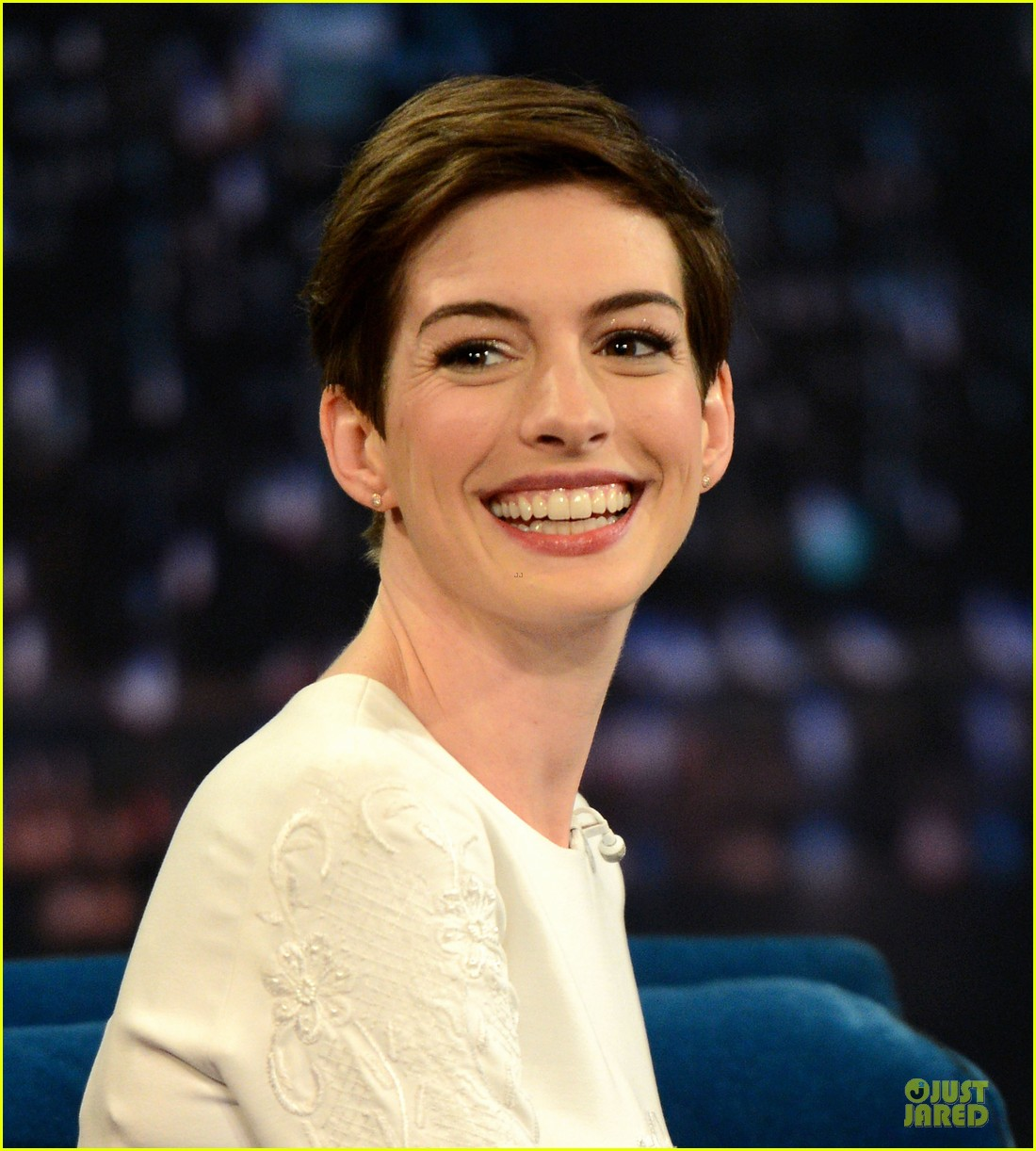 anne hathaway late night with jimmy fallon appearance 192774057