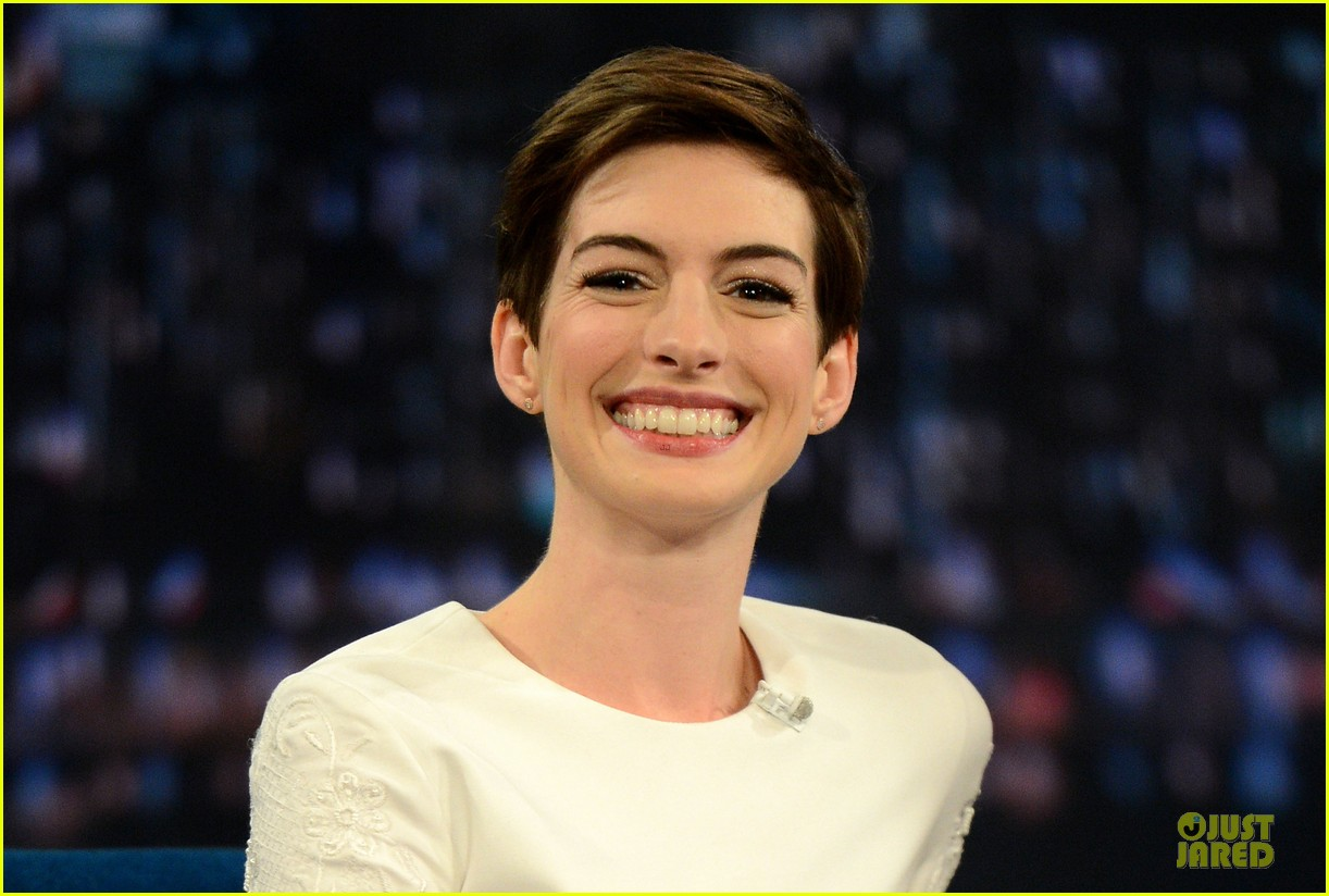 anne hathaway late night with jimmy fallon appearance 212774059