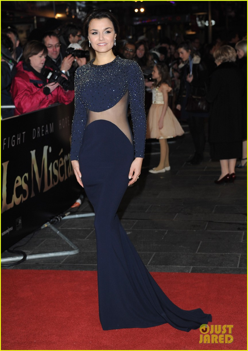 anne hathaway amanda seyfried les miserables world premiere 062769685