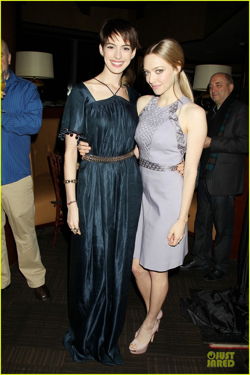 anne hathaway amanda seyfried les miserables new york screening after party 082768238