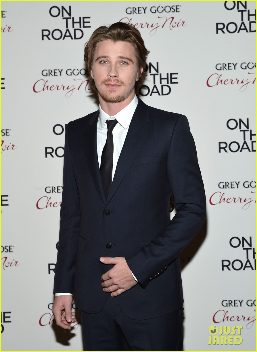 garrett hedlund confirmed for tron sequel 132775647