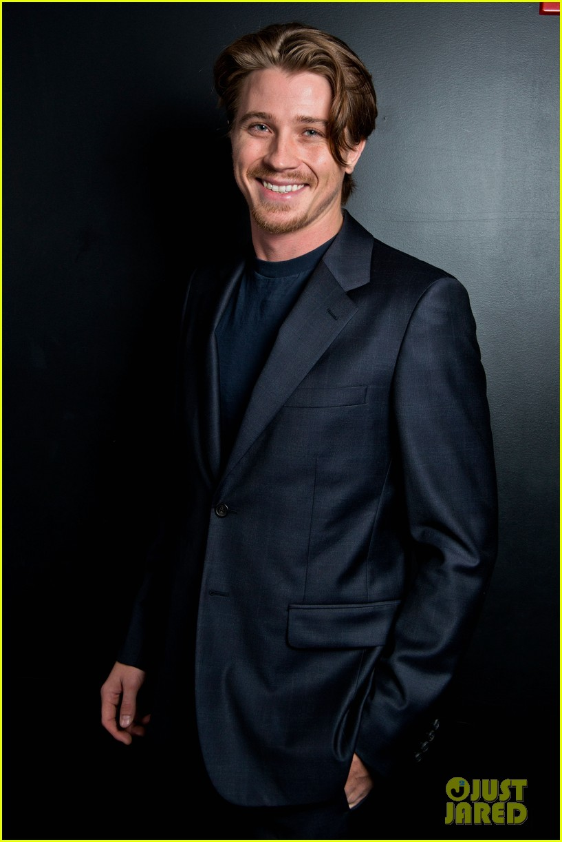 garrett hedlund on the road screening for the wrap 012770503