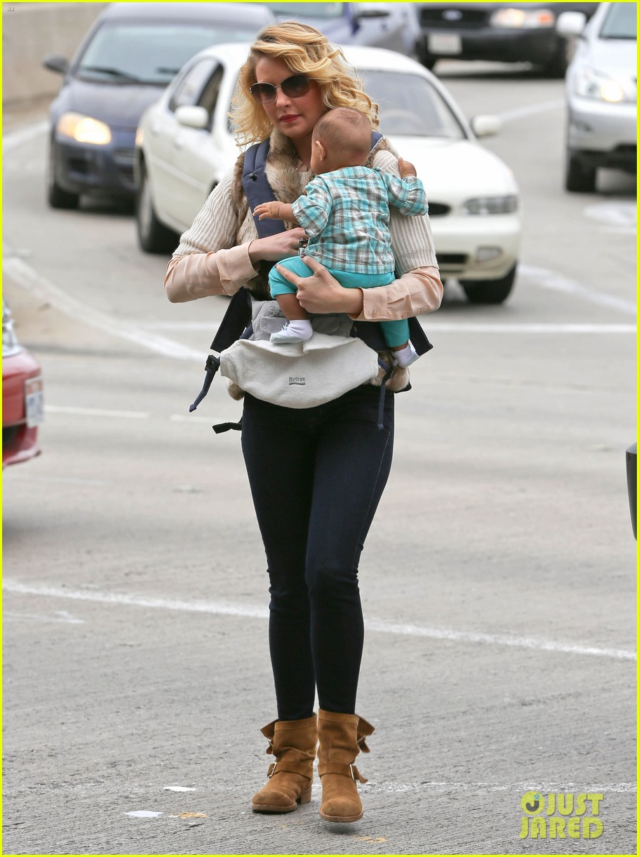 katherine heigl takes off with baby adalaide 012768514