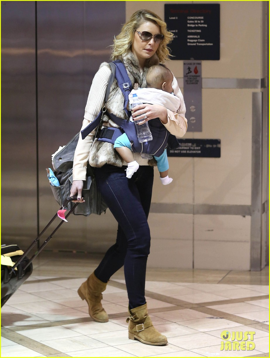 katherine heigl takes off with baby adalaide 032768516