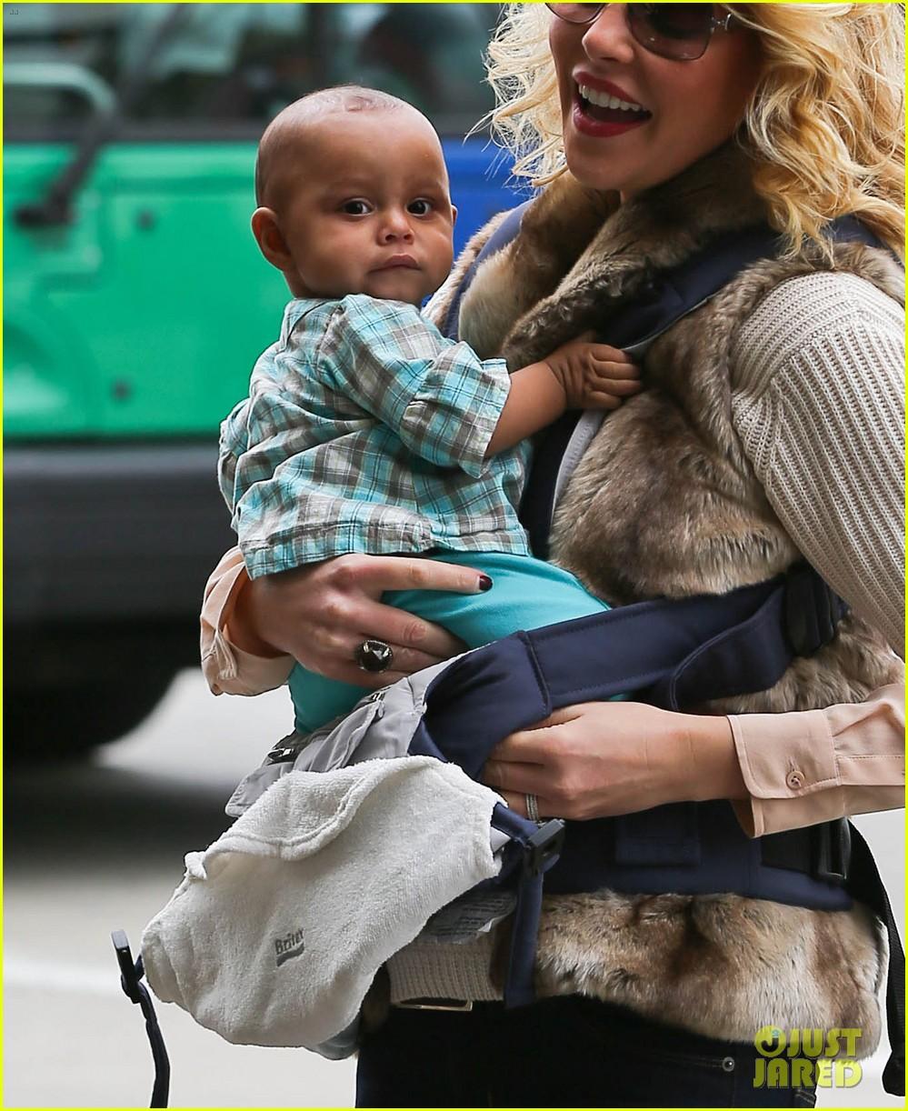 katherine heigl takes off with baby adalaide 042768517
