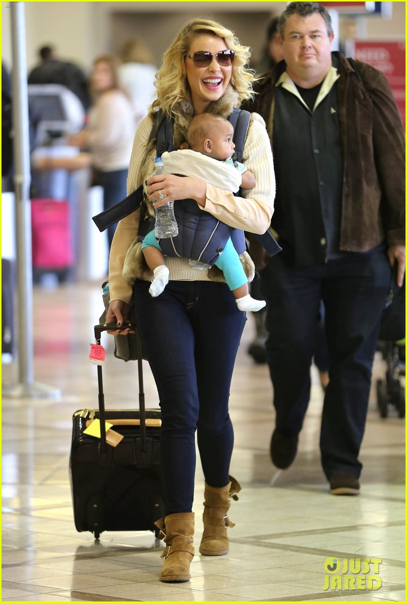 katherine heigl takes off with baby adalaide 052768518