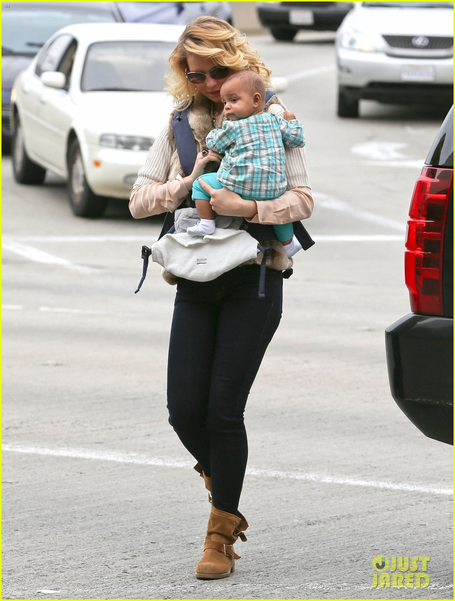 katherine heigl takes off with baby adalaide 062768519